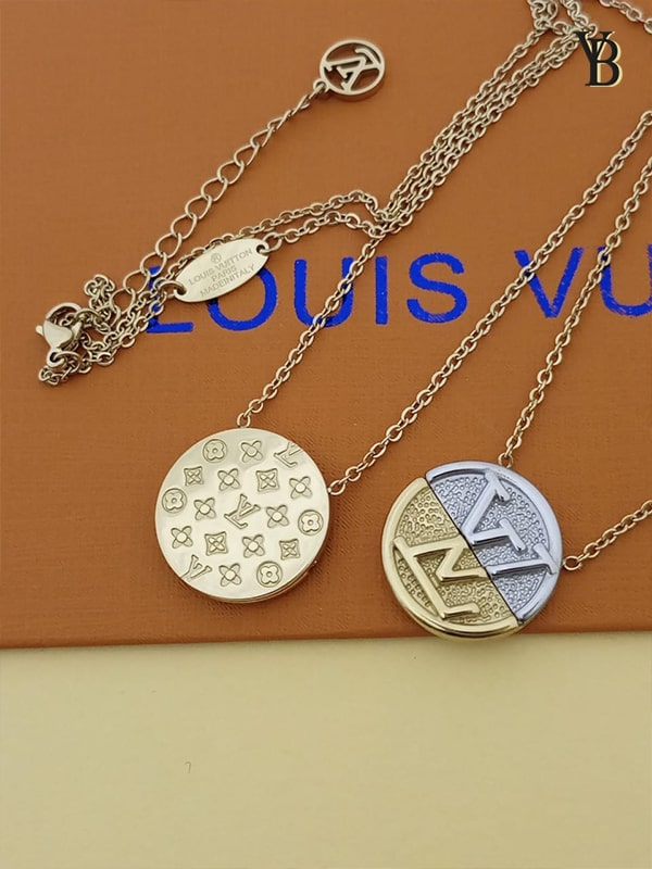 Collier Louis Viutton L TO V